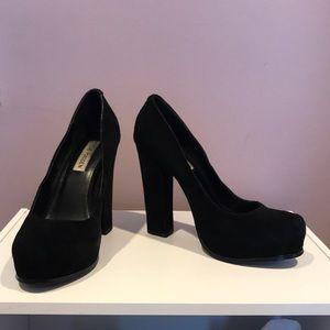 Black Steve Madden heels size 8.5